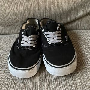 Men's Vans Low Top Classic Shoes Sz 11 GUC